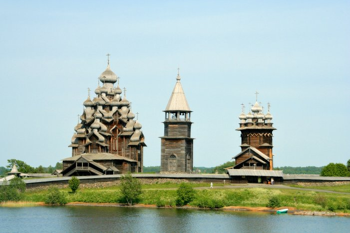 Kizhi_churches